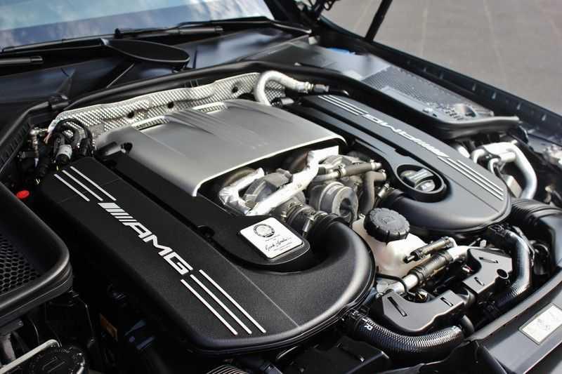 Mercedes-Benz C-Klasse C63 AMG 4.0 V8 Estate 476pk! **360°Camera/Burmester/Spoorassistent** afbeelding 24