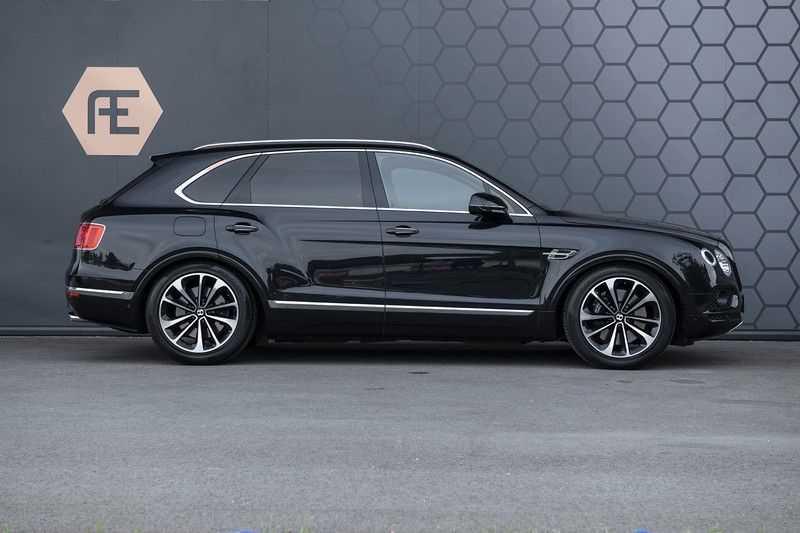 Bentley Bentayga 4.0 D (BTW AUTO) Elektrische trekhaak + Apple Carplay + Adaptive Cruise + Nachtzicht + Werkelijk in nieuwstaat afbeelding 13