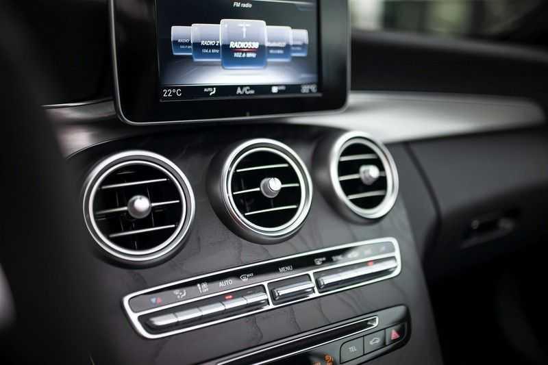 Mercedes-Benz C-Klasse Cabrio 180 Premium *AMG-Line / Airscarf / Keyless Go* afbeelding 20