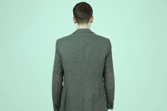 8 recomendaciones para corregir la postura de la espalda - Featured image
