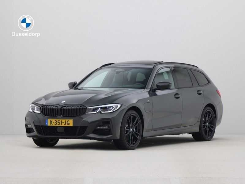 BMW 3 Serie Touring 330e High Executive M-Sport Automaat afbeelding 1