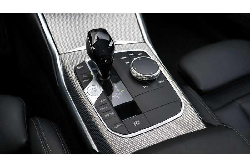 BMW 3 Serie 320i High Executive M Sport, Harman/Kardon, Live Cockpit Professional afbeelding 18