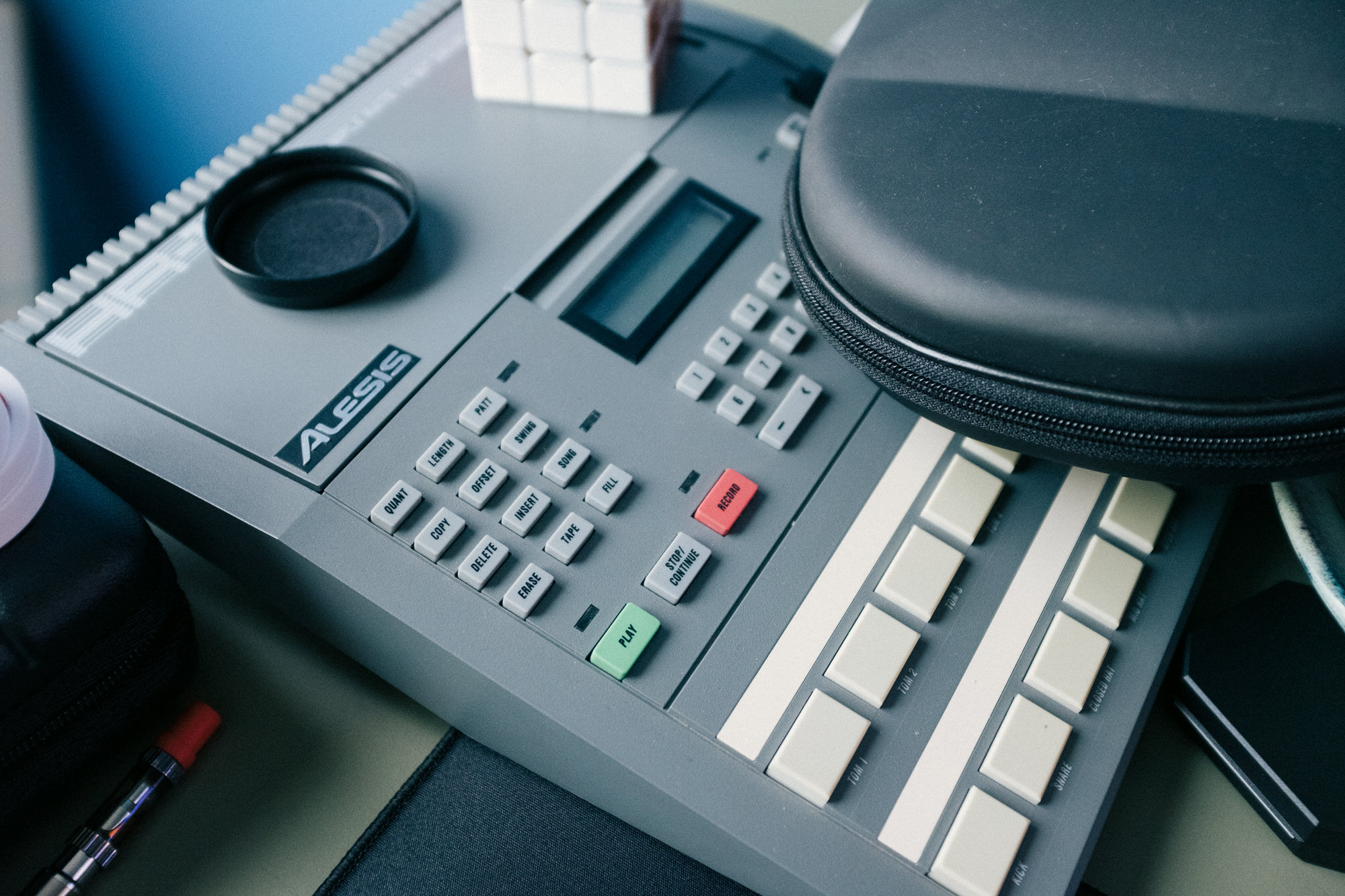 An image of the Alesis HR-16.