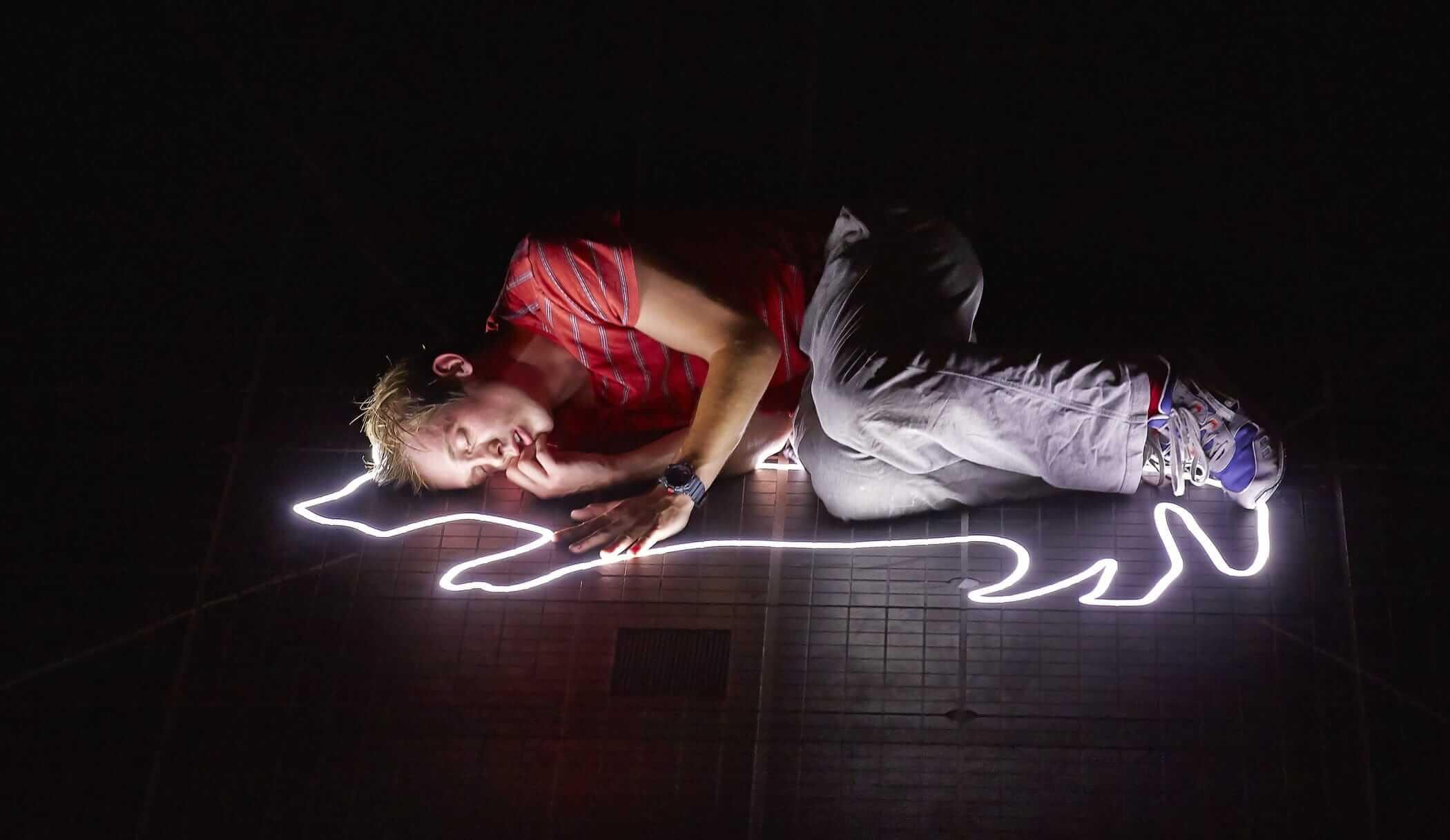 Фрагмент спектакля Лондонского королевского театра «Загадочное ночное убийство собаки» поодноименной книге Марка Хэддона