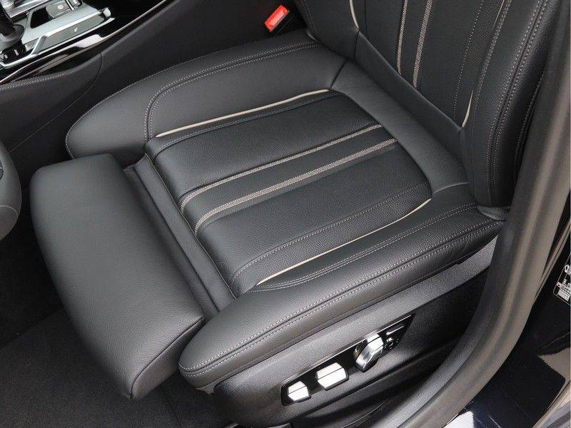 BMW 5 Serie 520i High Exe M-Sport Aut. afbeelding 16