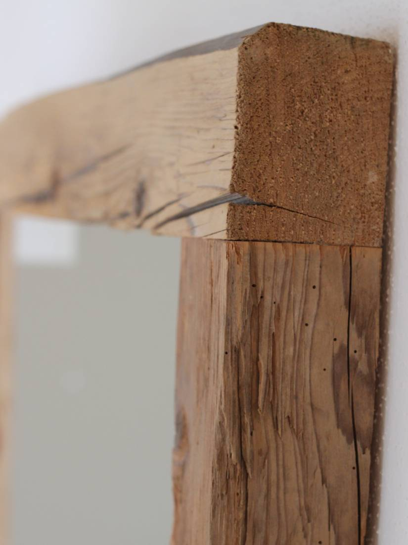Antikes Holz oder rustikales Altholz. So entsteht ein Unikat.