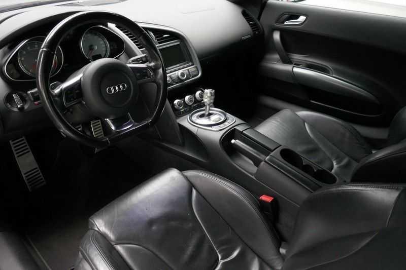Audi R8 4.2 V8 FSI Quattro Black Edition afbeelding 22