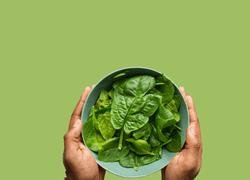 11 increíbles beneficios de la espinaca para la salud - Featured image