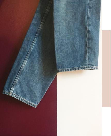 Retouche des ourlets de pantalon en jean