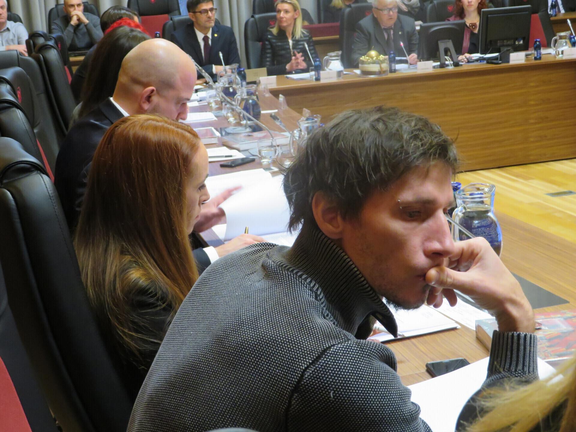 Robert Kranjec ohranil čast in dobro ime - poteza politika, ki ni več kranjski svetnik....