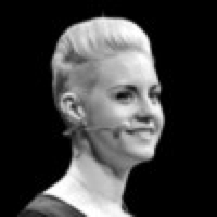 Claire Suellentrop Headshot