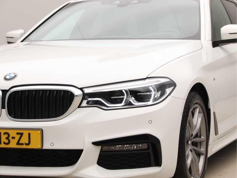 BMW 5 Serie Touring 520d High Executive M-Sport Aut. afbeelding 24