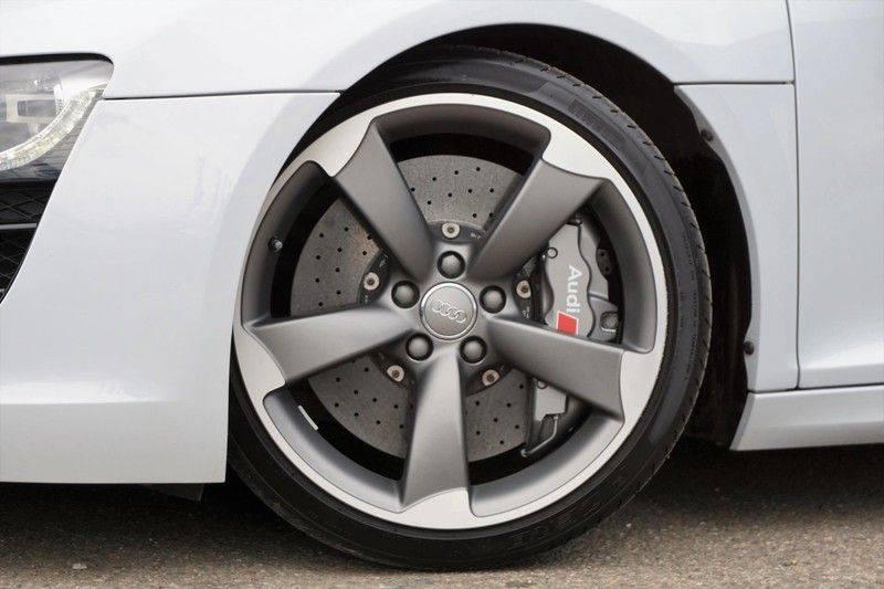 Audi R8 Spyder 5.2 V10 FSI / Akrapovic / Carbon Pack / B & O / Ceramic / Camera / Audi Exclusive / Cruise afbeelding 3