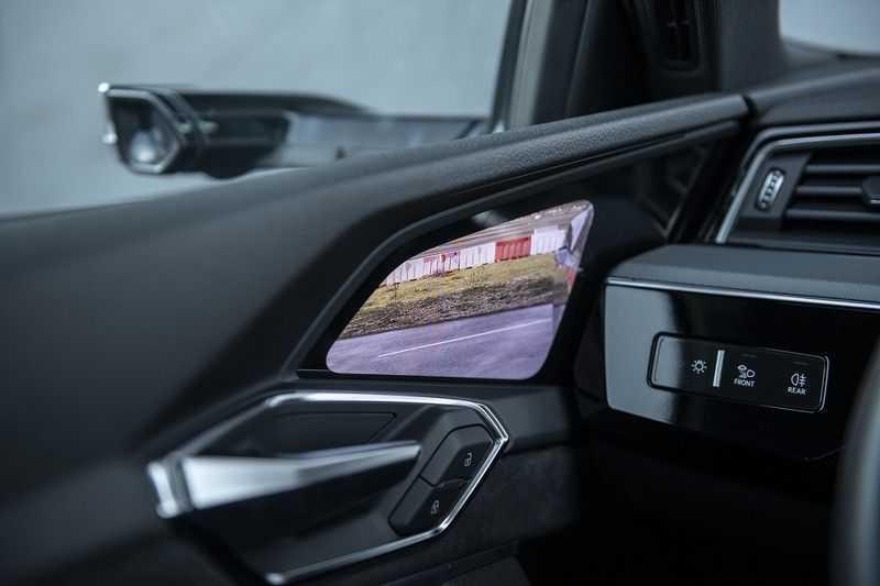 "Audi E-tron 55 e-tron quattro Advanced Pro Line S DECEMBER 2018!! € 146,- netto bijtelling pm! Head-up + B&O etc. Tot januari 2024 4% bijtelling!! Prijs inclusief 22"" velgen afbeelding 11"