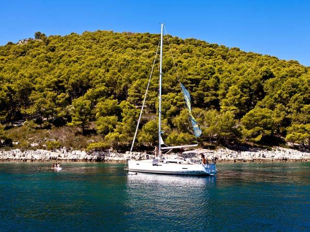 Croatia Sailing to the Island of Mljet