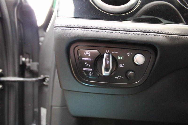 Bentley Bentayga 4.0 D 7p, Rear seat entertainment afbeelding 21