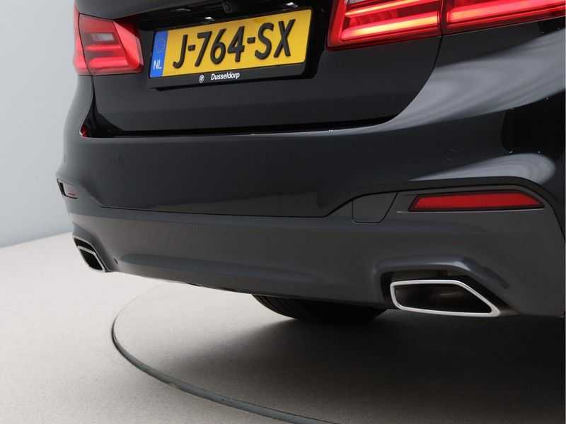 BMW 5 Serie 520i High Exe Aut. M-Sport afbeelding 18
