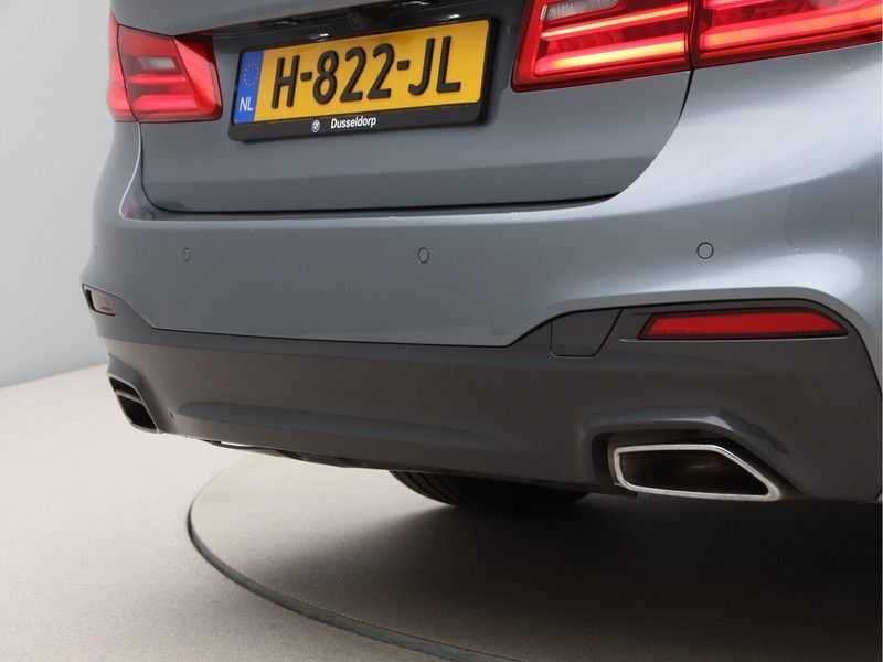 BMW 5 Serie 530i Aut. High Exe M-Sport afbeelding 19