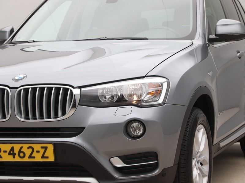 BMW X3 xDrive20i Exe X-Line Aut. afbeelding 16