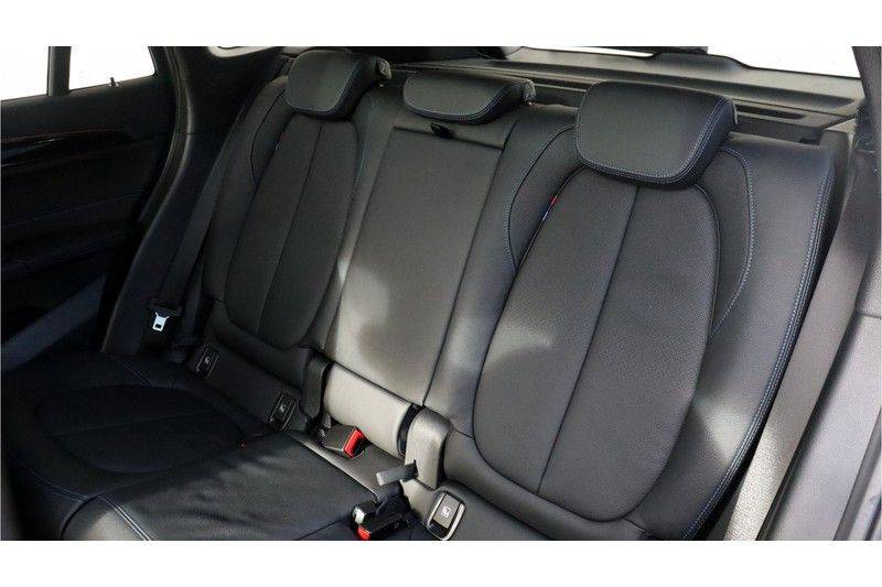 BMW X1 xDrive20i High Executive M Sport Panoramadak, Head Up Display, Trekhaak afbeelding 14