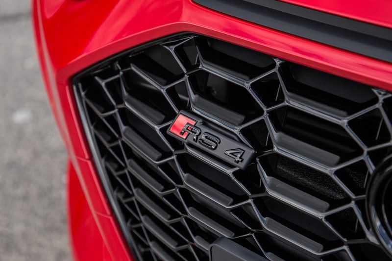 Audi A4 Avant 2.9 TFSI RS4 quattro | 450PK | Sportonderstel Plus | Panoramadak | Inleg Carbon | B&O | Sportdifferentieel | Head-up afbeelding 4