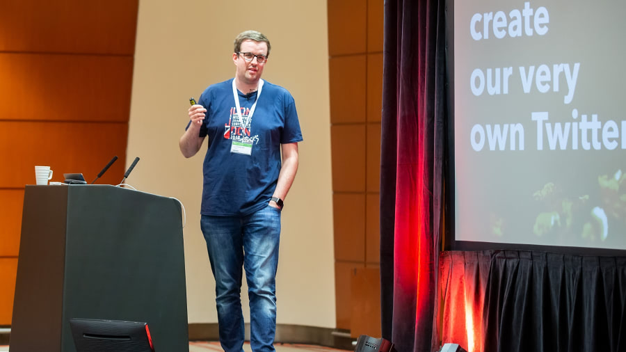 Hans-Christian Otto bei einem Vortrag