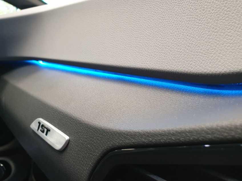"""Volkswagen ID.3 First Max 8% Bijtelling 20""""LM Panorama Massagestoelen afbeelding 16"""