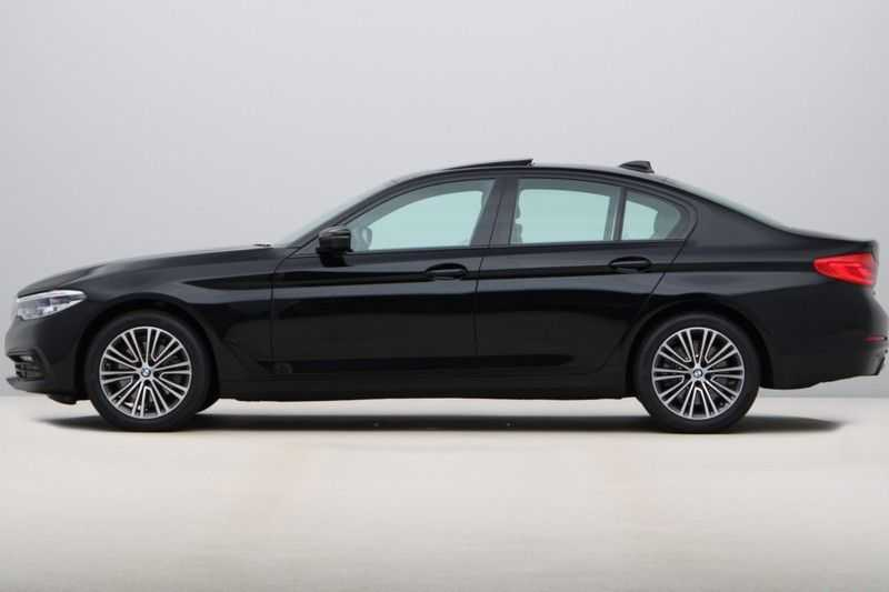 BMW 5 Serie 520i High Exe Sportline Aut. afbeelding 2