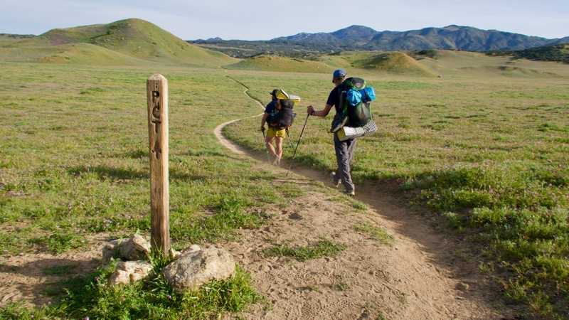 Tengo and Bookworm pass another PCT marker