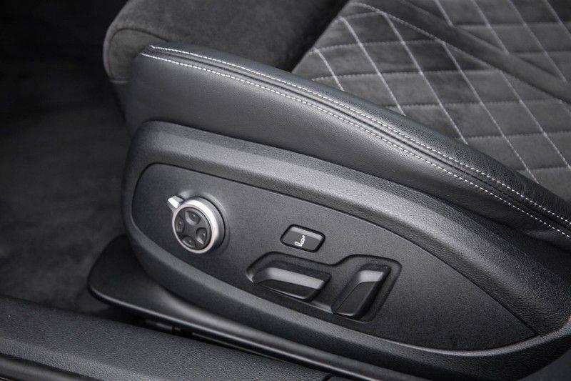 Audi RS4 Avant 2.9 TFSI 450 pk RS 4 quattro   Panoramadak   Assistentiepakket Tour/City   Matrix LED   Bang & Olufsen 3D Sound afbeelding 22