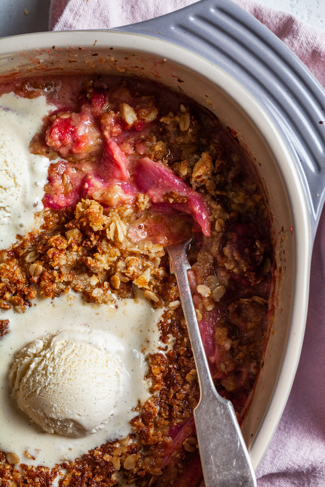 Warm Vanilla Rhubarb Crisp