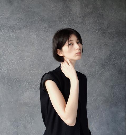 woman in tee shirt