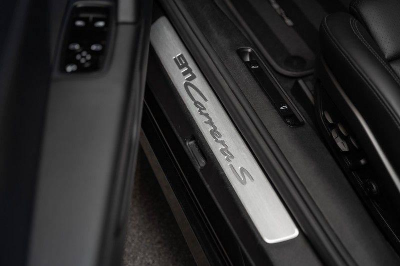 Porsche 911 992 S Coupe Akrapovic Race Cat Sport Chrono Pano Sport Uitlaat Adatieve Sportstoelen 3.0 Carrera S afbeelding 25
