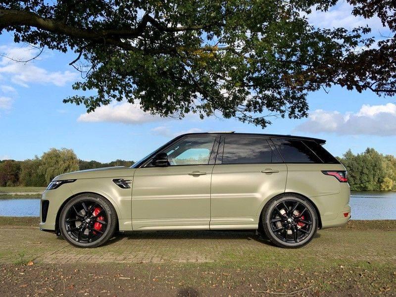 "Land Rover Range Rover Sport P575 SVR 'Solid Gloss Avocado' Carbon SVR motorkap + Drive Pro Pack + Panoramadak + 22"" + Stoelkoeling + Head-Up + Stuurwielverwarming + Carbon interieur afbeelding 7"