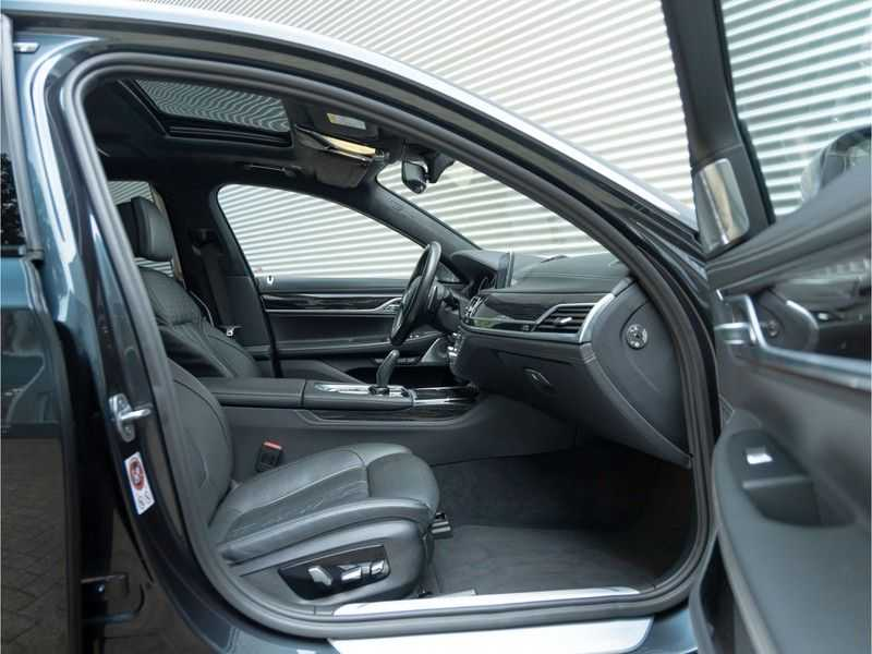 BMW 7 Serie M760Li xDrive - Bowers & Wilkins Audio - Night Vision - Entertainment Professional afbeelding 11