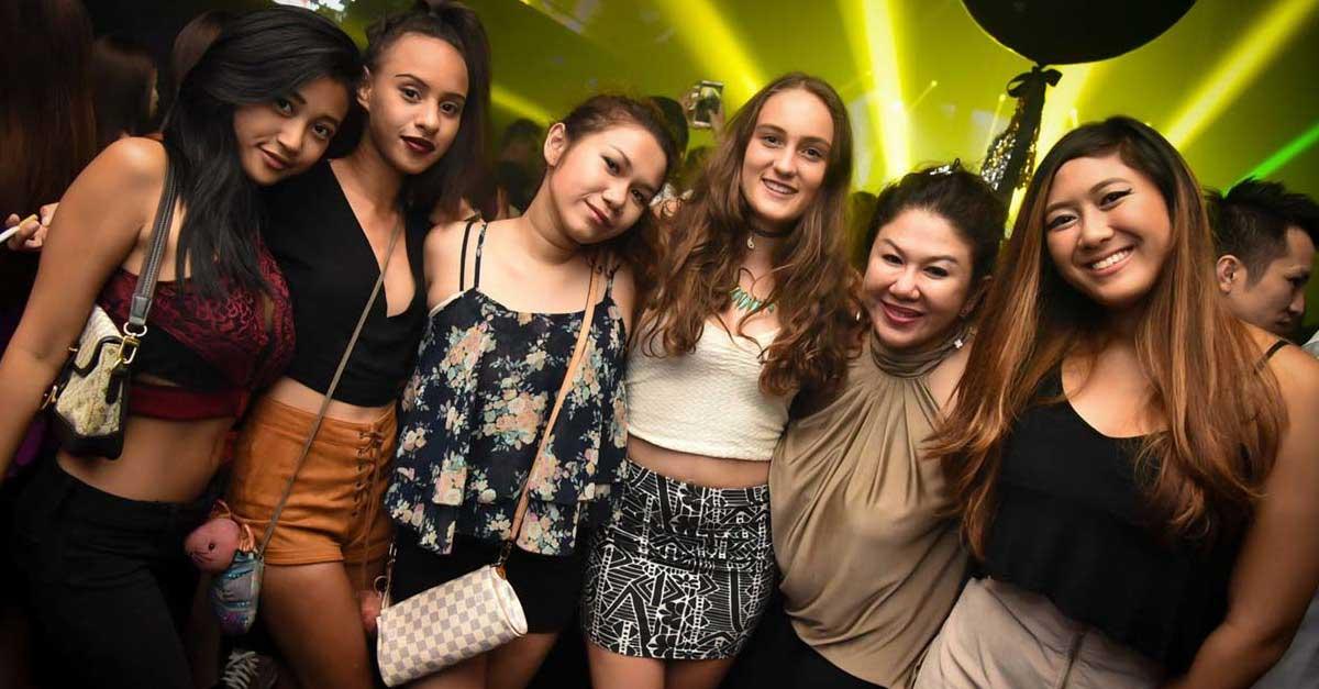 Kesenangan Duniawi Di Club Malam