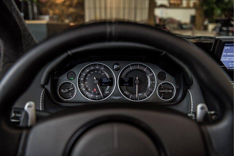 Aston Martin DBS Volante 6.0 V12 Black Carbon Edition afbeelding 14