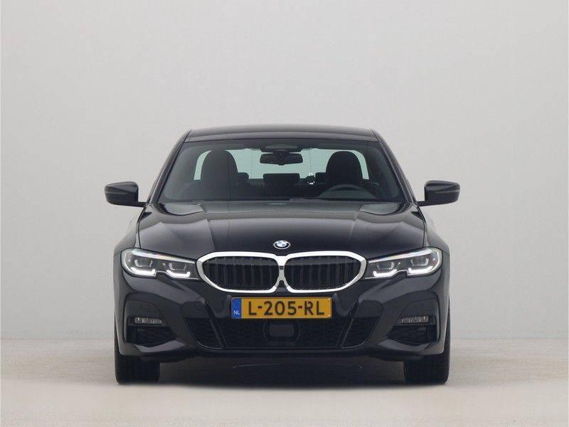 BMW 3 Serie Sedan 330e High Executive M-Sport Automaat afbeelding 6