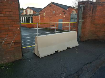 2.5m Concrete Jersey Barrier – Brierley Hill