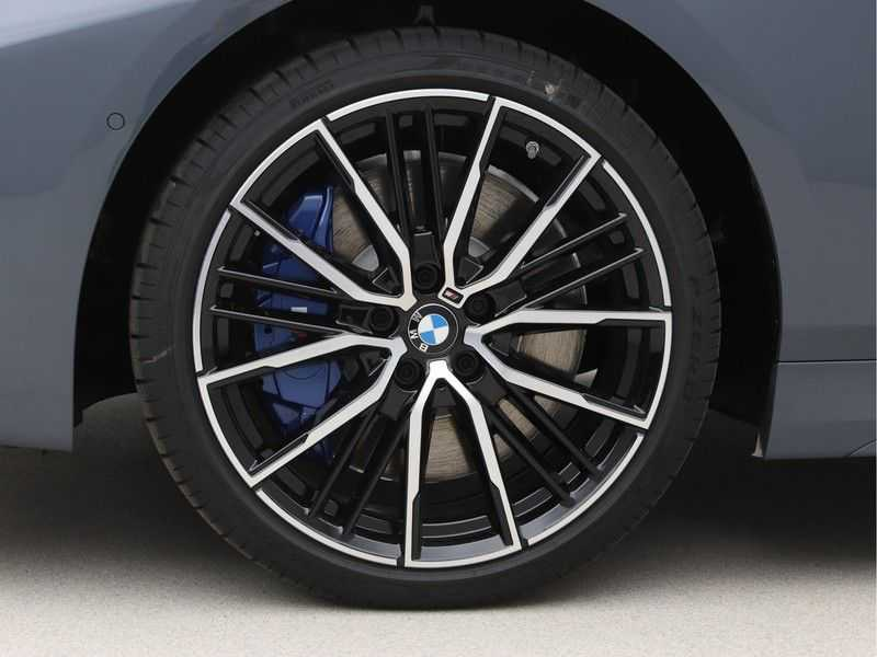 BMW 1 Serie 118i 5rds High Exe M-Sport Aut. afbeelding 21