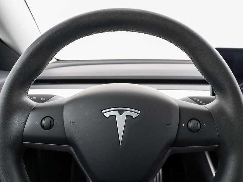 Tesla Model 3 Long Range All-Wheel Drive Performance Prijs is Incl. BTW   20'' grijze Performance-velgen   Performance upgrade   Performance remmen   Autopilot   afbeelding 5