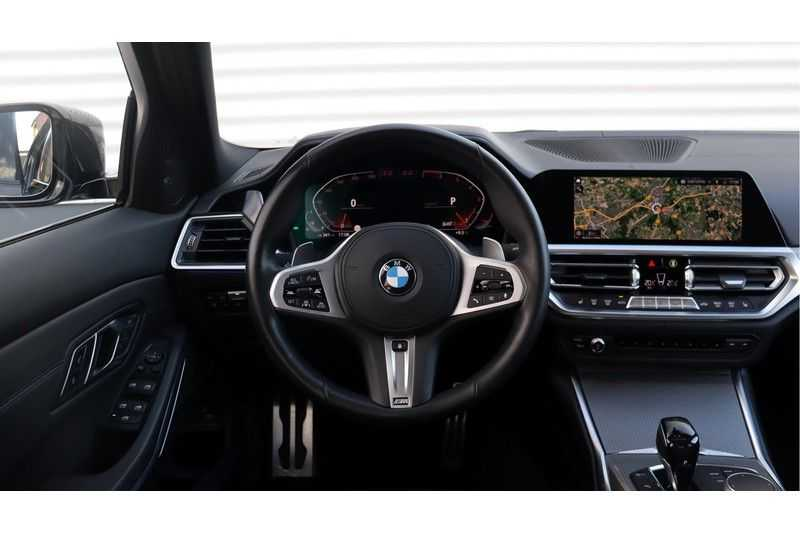 BMW 3 Serie 330i High Executive M-Sport Leder, Schuifdak, Harman/Kardon afbeelding 9