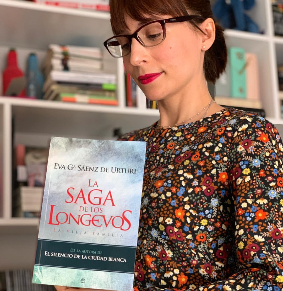 """Imagen de Reseña de """"La saga de los longevos"""", de Eva García Sáenz de Urturi"""