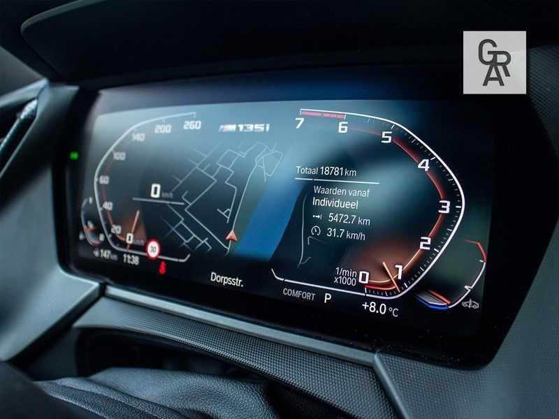BMW 1 Serie M135i xDrive High Executive afbeelding 13