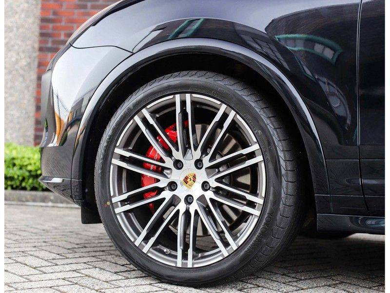 Porsche Cayenne Turbo *SportDesign*Pano*360cam*Chrono*Soft-Close* afbeelding 9