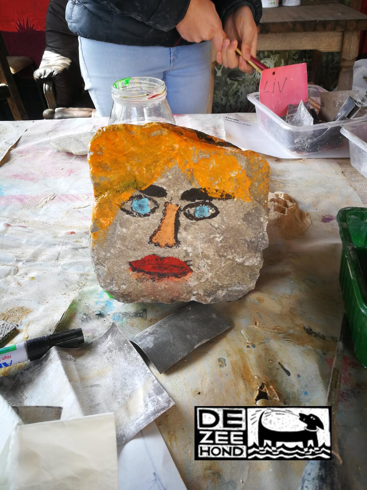 beschilder een steen of kei