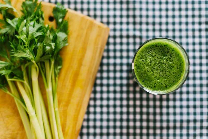 Jugo de apio: beneficios, tips y paso a paso