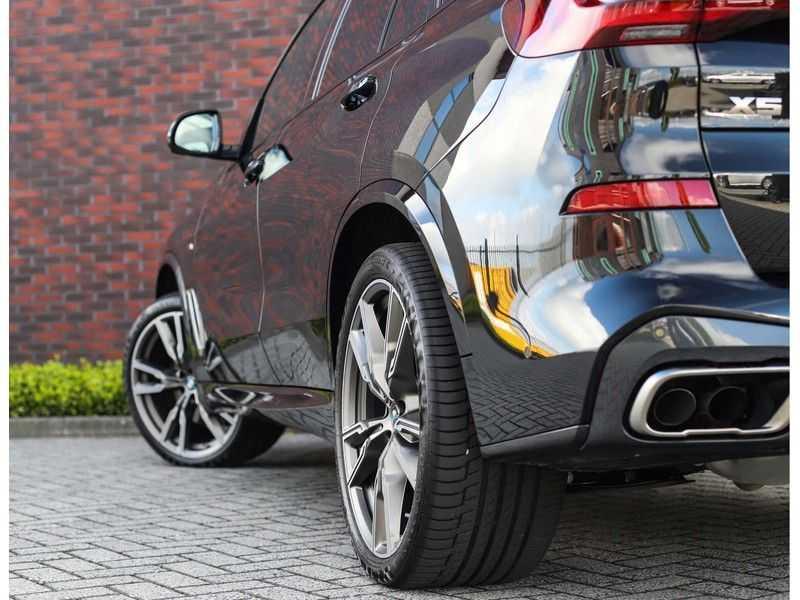 BMW X5 M50i X-Drive *Head-Up*Trekhaak*Laser* afbeelding 9
