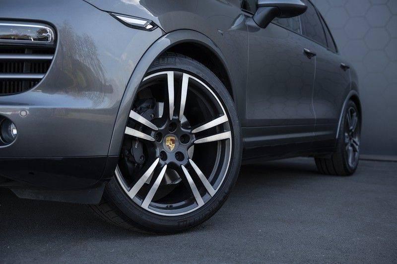 Porsche Cayenne 3.0 D Platinum Edition Org. Ned. + Dealer onderhouden + Sportchrono + Stuur/ Stoel verwarming+ Stoel koeling + Bose afbeelding 12