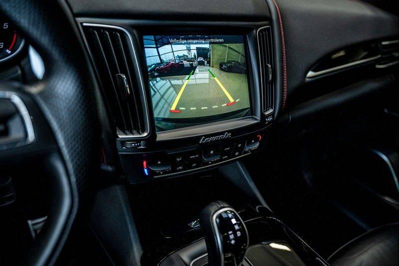Maserati Levante 3.0 V6 D AWD | BTW | Black pack | Pano | Rood sticksel | Harman Kardon | Voertuigvolgsysteem | Nieuwe onderhoudsbeurt | afbeelding 19